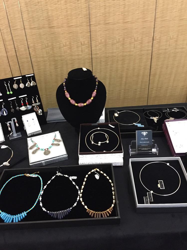 exposition de bijoux - Beadfalls