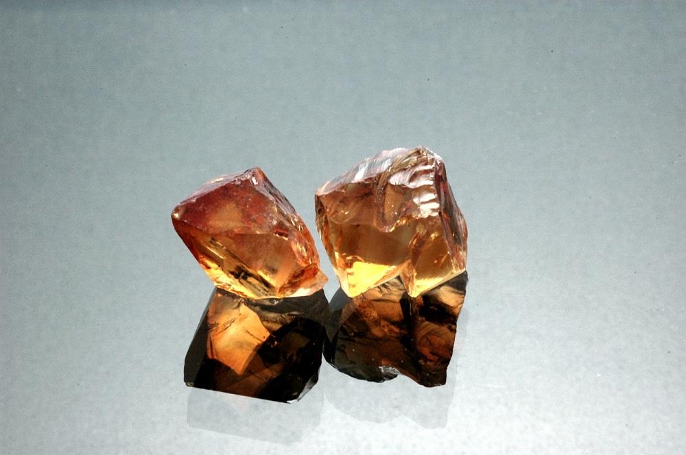 pierre de naissance de novembre - la citrine ici la pierre alternative la topaze