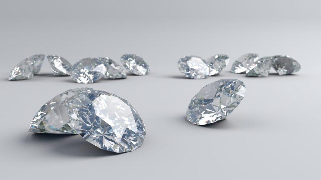 la pierre de naissance du mois d'avril est le diamant